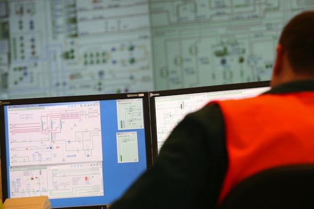 W kwietniu produkcja prądu mniejsza niż rok temu