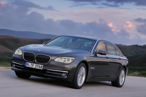 """BMW """"siódemka"""" jeszcze bardziej premium"""