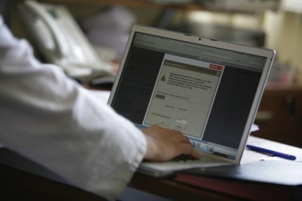 MZ: informatyzacja w służbie zdrowia nie jest zagrożona