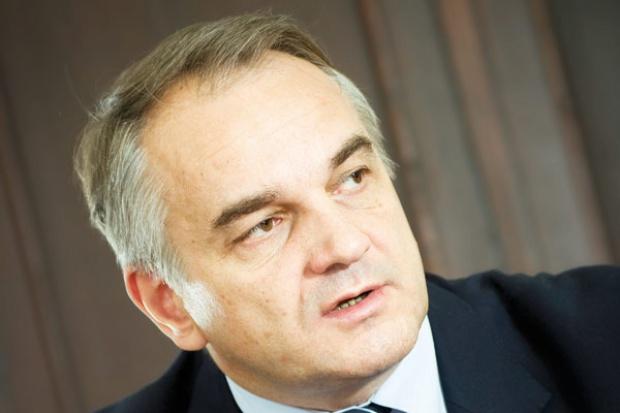 Pawlak przekonuje: po Euro czas na tańsze paliwa