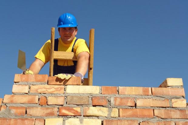 Czy nacjonalizacja bankrutujących firm budowlanych to dobry pomysł?