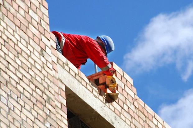 Rynek pęcznieje od nowych mieszkań czekających na kupców
