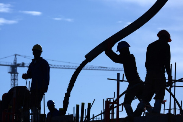 Budowlanka pada - producenci betonu w dołku