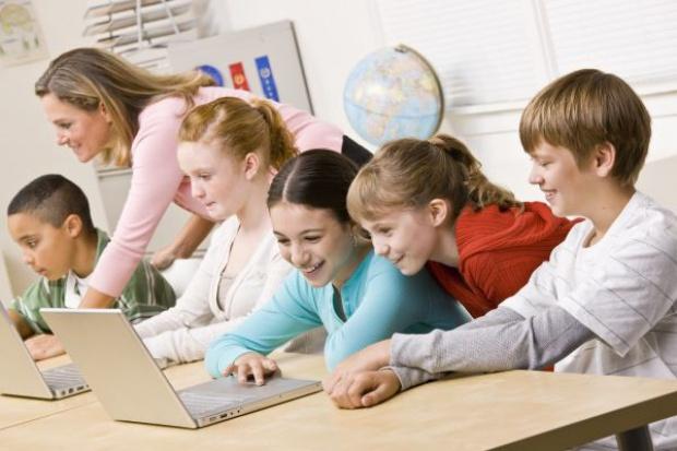 Szkoły nie wiedzą, jak zamawiać cyfrowy sprzęt