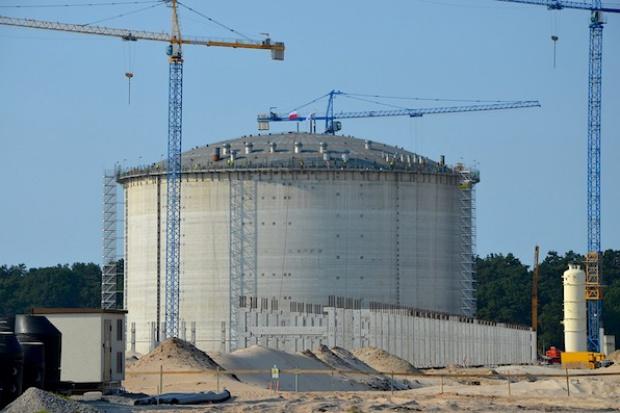 Budowa Gazoportu: budowlańcy przerwali pracę, chcą wypłat