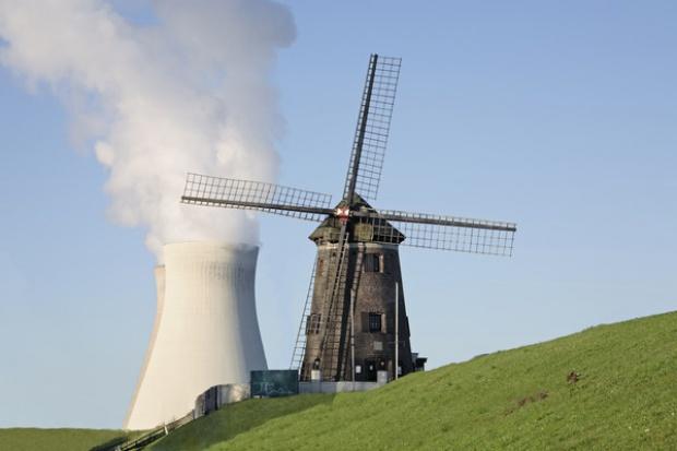 Megawat z wiatraków nie równa się megawatowi z atomu