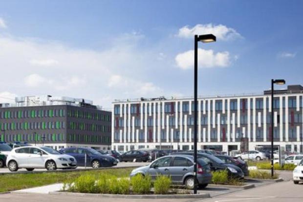 Biurowce w 2012 roku rosną jak grzyby po deszczu