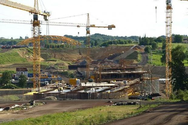 Śląskie: opóźniona budowa mostu na A1 i odcinka S69