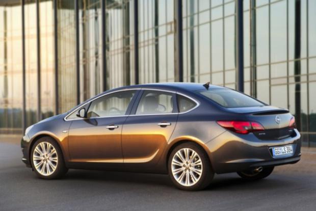 Premiera Astry sedan w Rosji potwierdza znaczenie rynku