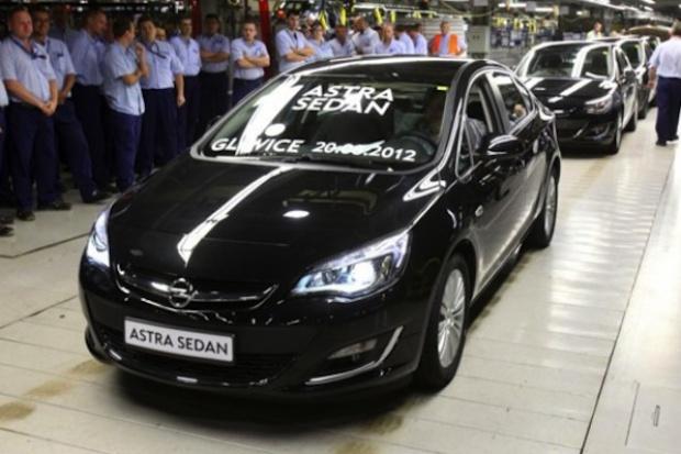 W gliwickim Oplu ruszyła produkcja astry sedan