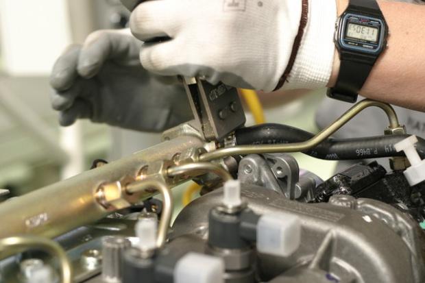 Nasz rynek motoryzacyjny napędzają dwa silniki