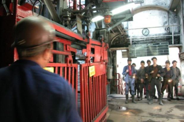 Wypadki: górnicy podejmują ryzyko, bo im przełożeni każą