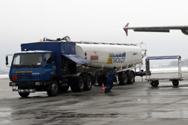 UOKiK sprawdzi koncentrację na rynku paliw lotniczych