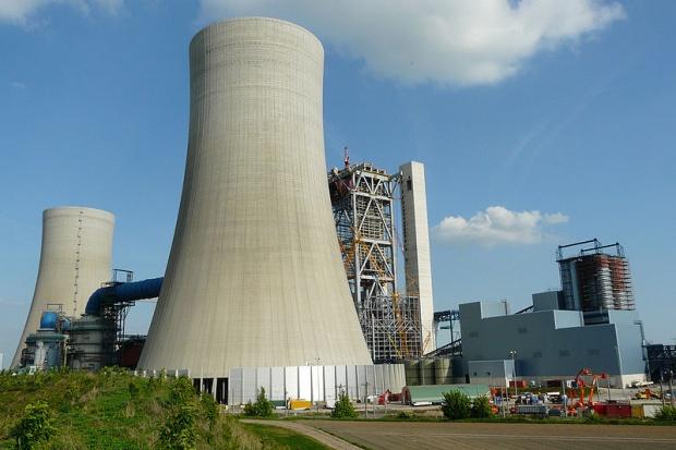 Hitachi dementuje spekulacje ws. Kozienic i kar od RWE