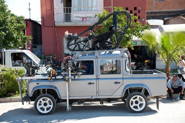 "Jaguar i Land Rover na 50.urodzinach ""Bonda"""