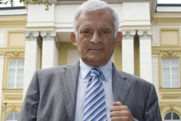 J. Buzek: sama UE nie może obniżyć emisji CO2