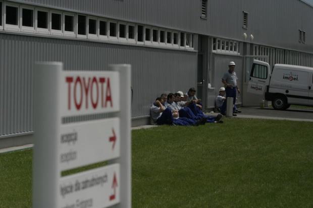 Japońskie firmy motoryzacyjne uciekają z Chin
