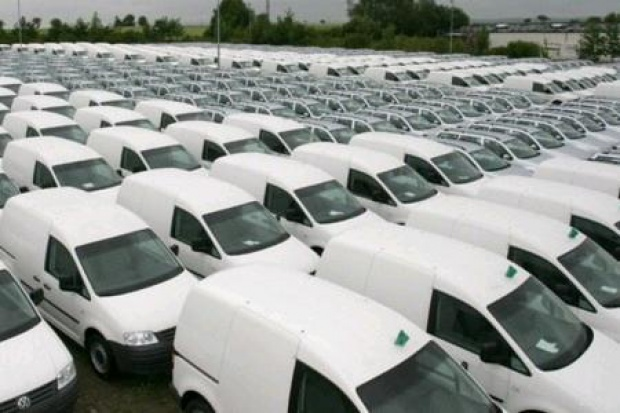Auta dostawcze: piąty miesiąc spadków