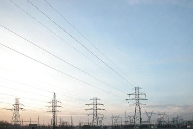 Budowa linii energetycznych pod górkę