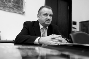 Zmarł b. wiceminister gospodarki Eugeniusz Postolski