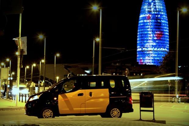 Nissan proponuje taksówki dla Barcelony