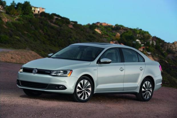 Volkswagen wprowadza model Jetta Hybrid