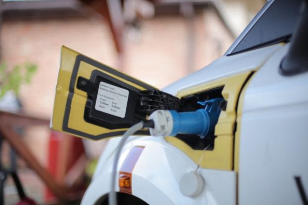 Samochody elektryczne potrzebują wsparcia finansowego