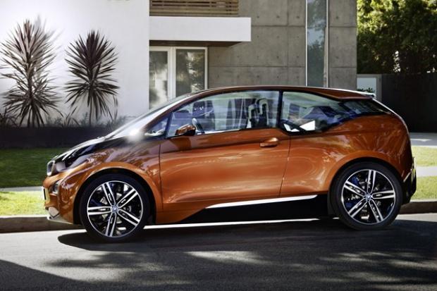 Pierwsze internetowe elektryczne BMW