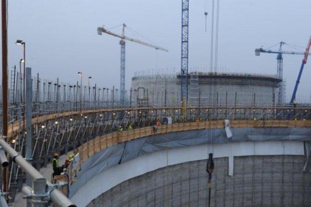 Ile spóźnienia przy budowie terminalu LNG?