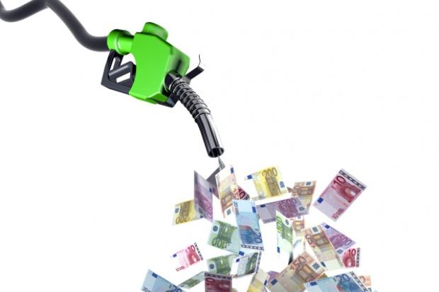 Nie ma co liczyć na spadek cen paliw poniżej 5 zł