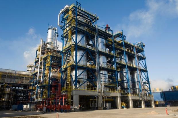 Lotos zakłada w 2013 pełne obłożenie rafinerii