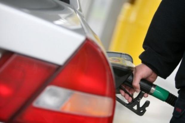 Zima nie zamraża cen na stacjach paliw