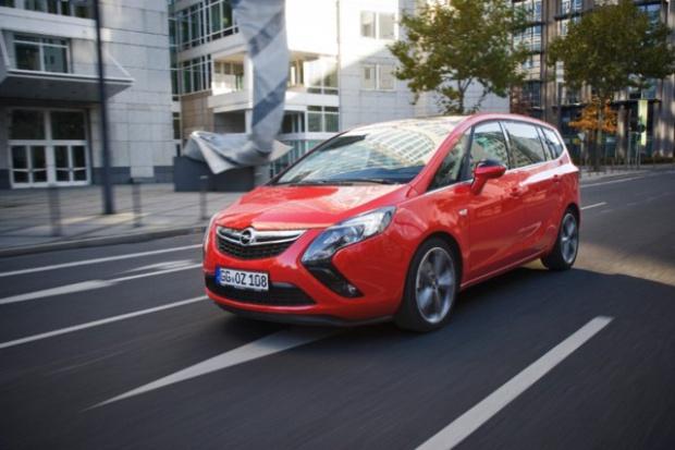 Opel wprowadza najszybszego vana dla 7 pasażerów