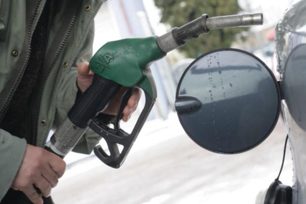 Ceny paliw: 5,60 zł za litr standardem krajowym