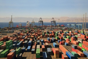 Lekkie ożywienie w przewozach towarów w kontenerach