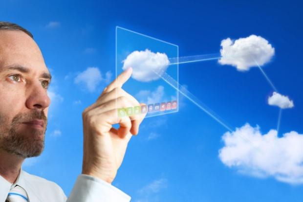 Czym różni się chmura prywatna od własnej serwerowni?