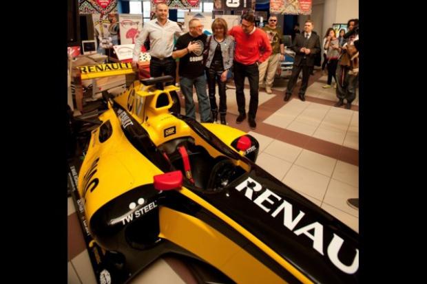Bolid Renault sprzedany