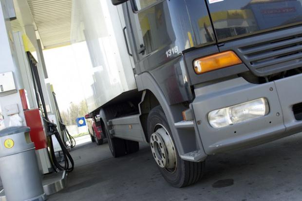 Mniejszy rynek opon samochodów ciężarowych