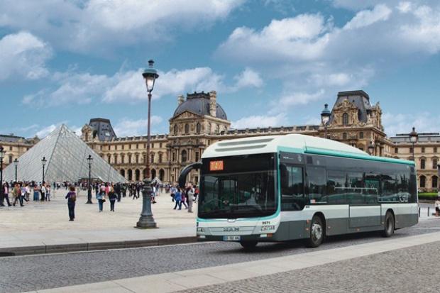 Hybrydowe MAN'y z Polski do Paryża
