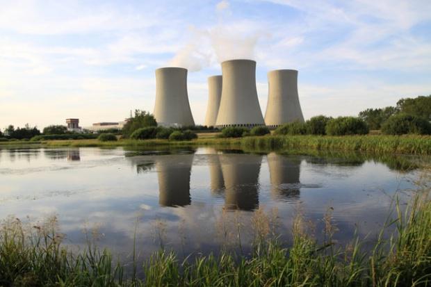 Jak wspierać budowę elektrowni jądrowej?