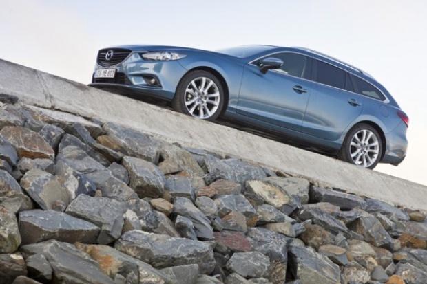 """Mazda6 też ma prawo do """"czerwonej kropki"""""""