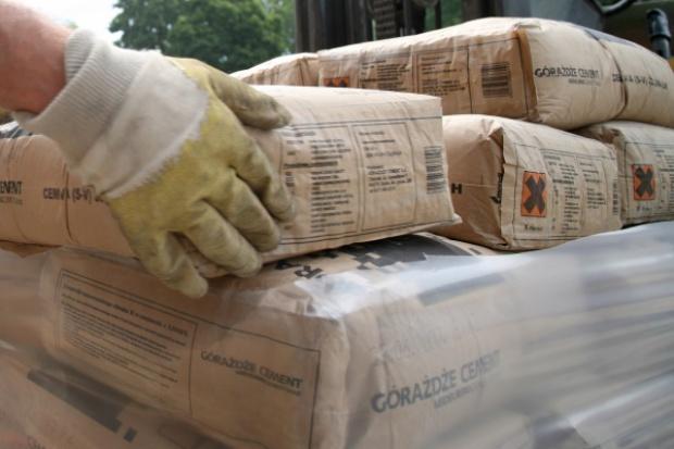 Branża cementowa pod ścianą kosztów