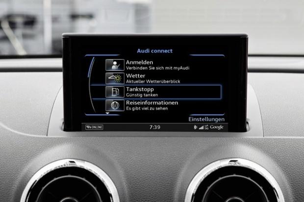 """""""Stop na tankowanie"""" wśród pokładowych usług Audi"""