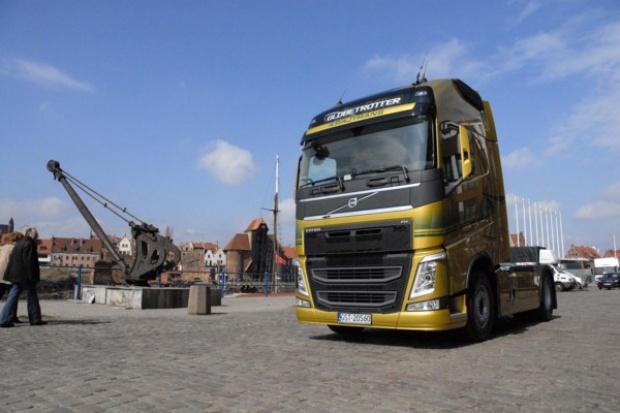 Pierwszy Volvo FH trafia do polskiego przedsiębiorcy