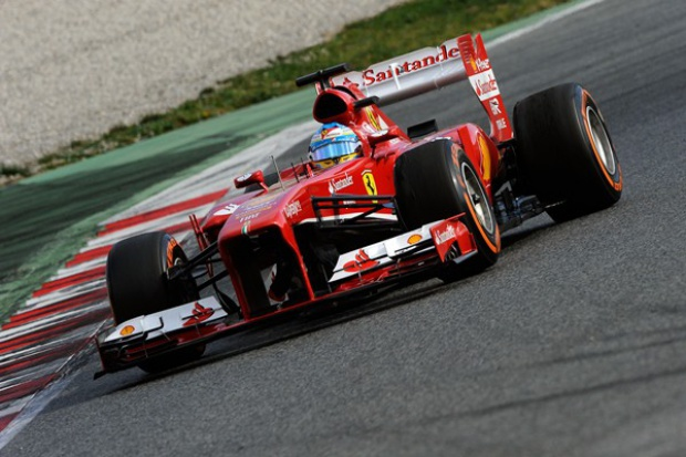 NGK Spark Plug pozostaje partnerem Scuderia Ferrari