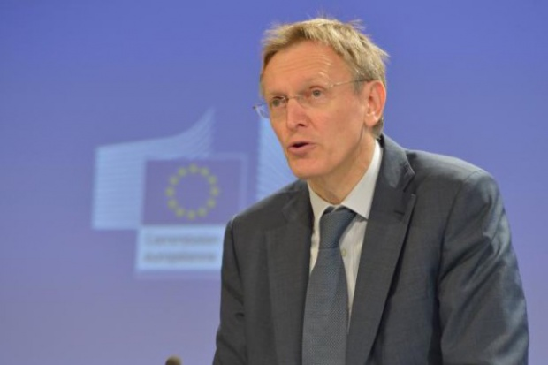 Komisarz UE: wydobycie gazu łupkowego w UE inne niż w USA