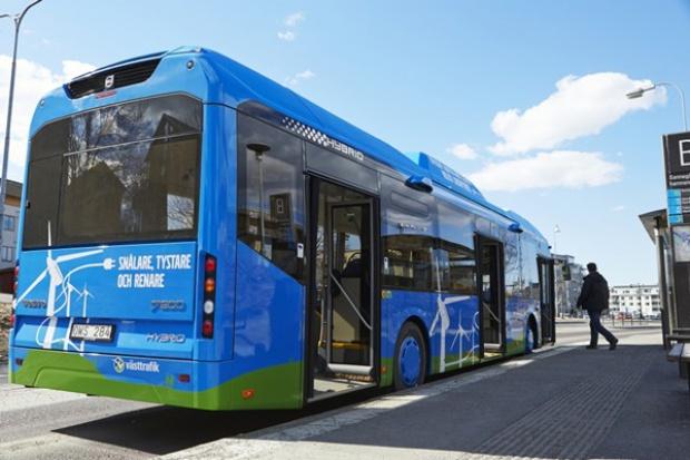 Autobusy hybrydowe plug-in Volvo wyjechały na testy