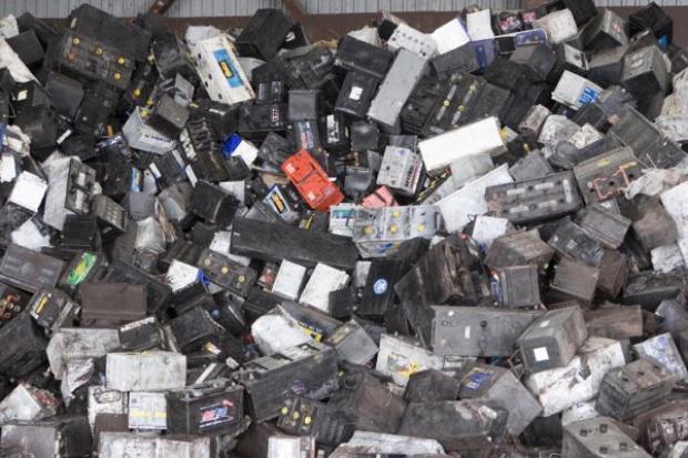 Orzeł Biały: Łagodne zimy zmniejszają zysk z recyklingu akumulatorów