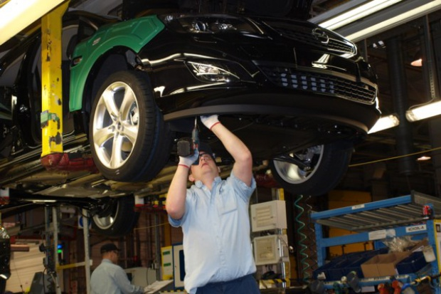 Produkcja samochodów w Polsce ciągle pod kreską