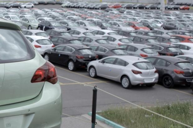 VAT od samochodów firmowych - kto na tym traci?